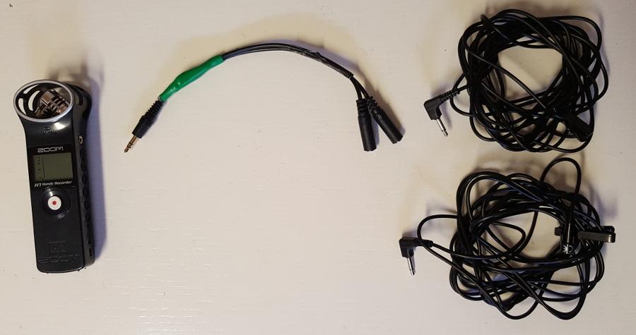 Zoom H1, adapterkabel, två myggmikrofoner